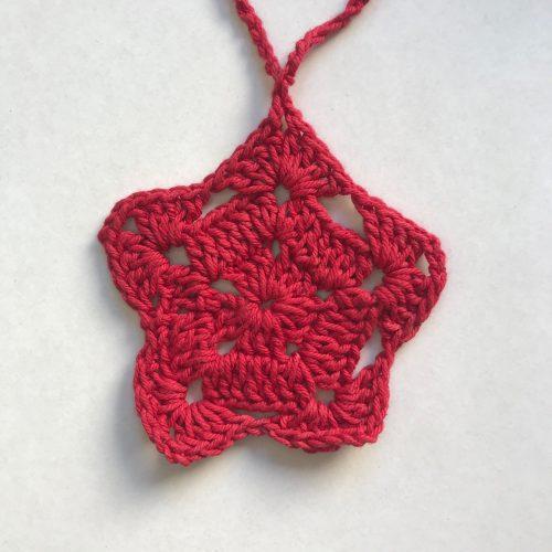 Estrella roja tejida a crochet navidad
